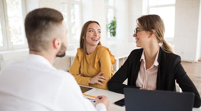 Jak działa i w czym pomaga firmom agencja pracy